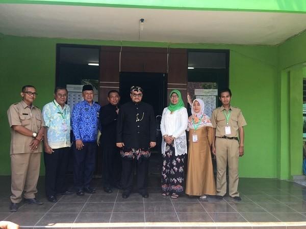 Kunjungan Wakil Bupati Kab. Probolinggo Ke SMPN 2 Kraksaan